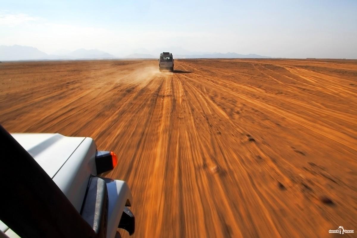 Чёрный рейд. Ралли на джипах. Аравийская пустыня.